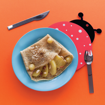Buckwheat crepes with GP, apples, raisins and pine nuts